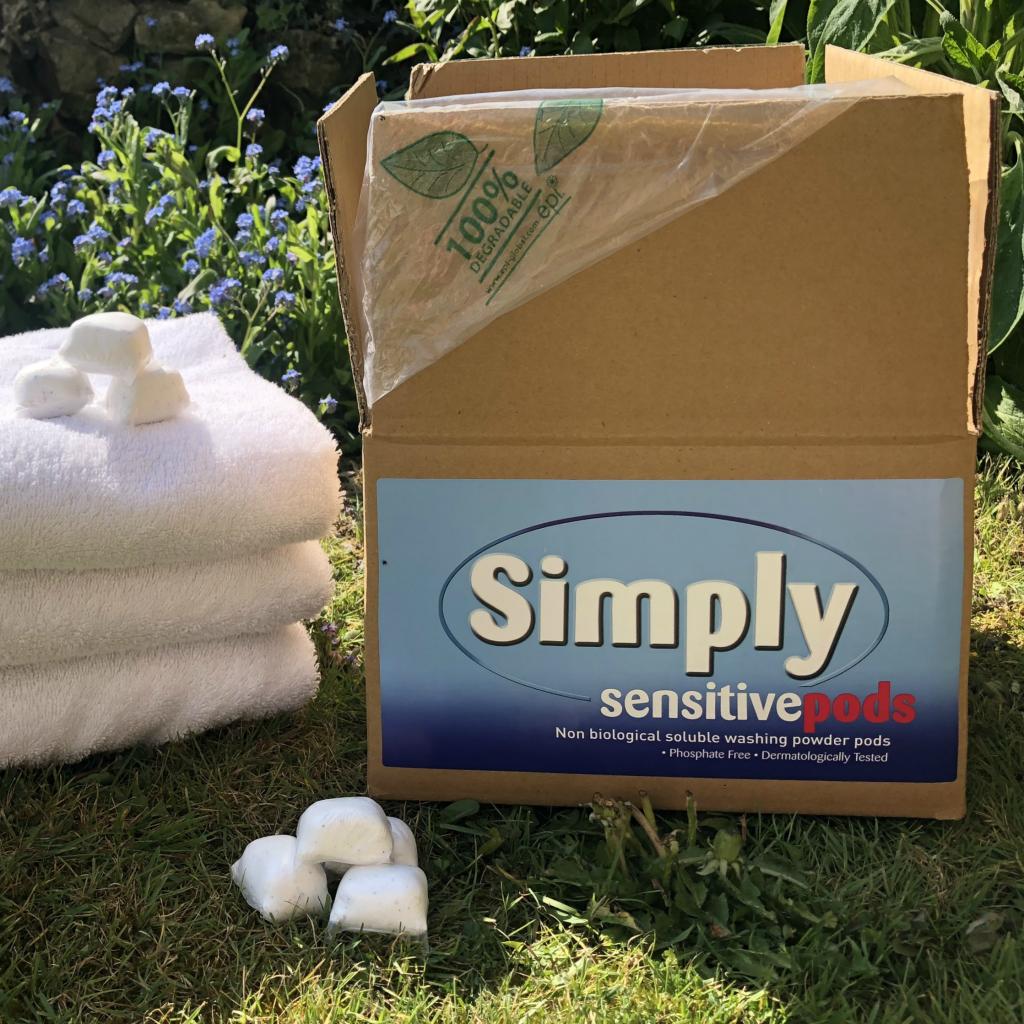 200 Simply Sensitive non-biological laundry powder-tabs Bulk Box